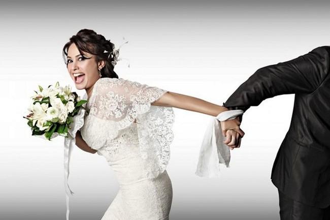 Nhiều người nghĩ bế cô dâu vào phòng đêm tân hôn là thật lãng mạn. Nhưng sự thực đằng sau nó thì... - Ảnh 3.