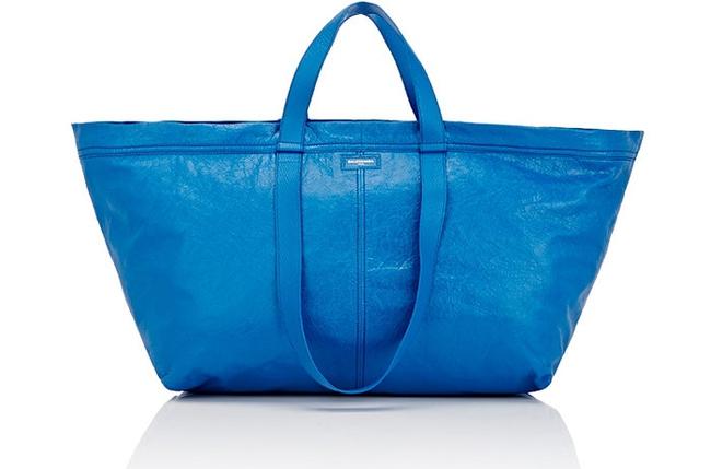 Túi 50 triệu của Balenciaga trông hệt như túi nhựa 20 nghìn được bán ở IKEA hình 1
