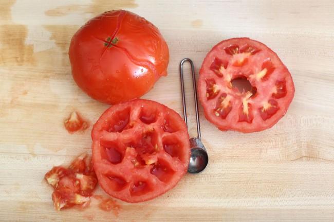 Rất nhiều người mắc sai lầm này khi ăn cà chua khiến cho loại quả bổ dưỡng này trở nên xấu đi - Ảnh 2.