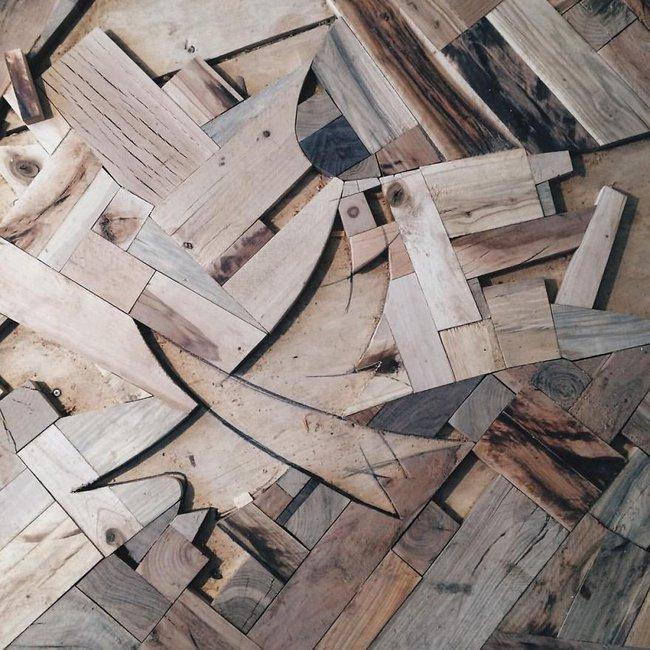 Thu thập các mảnh gỗ vụn bỏ đi, người đàn ông biến sàn nhà thành một tác phẩm nghệ thuật đẹp ngỡ ngàng - Ảnh 5.