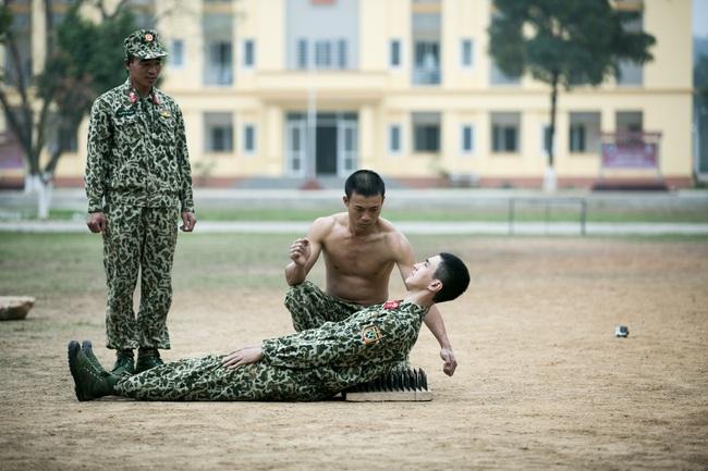 Đây là màn chặt gạch bá đạo trong quân ngũ của Quốc Thiên! - Ảnh 8.