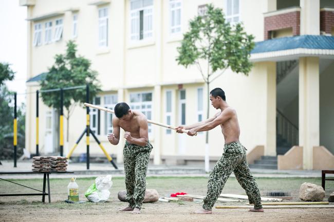 Đây là màn chặt gạch bá đạo trong quân ngũ của Quốc Thiên! - Ảnh 9.