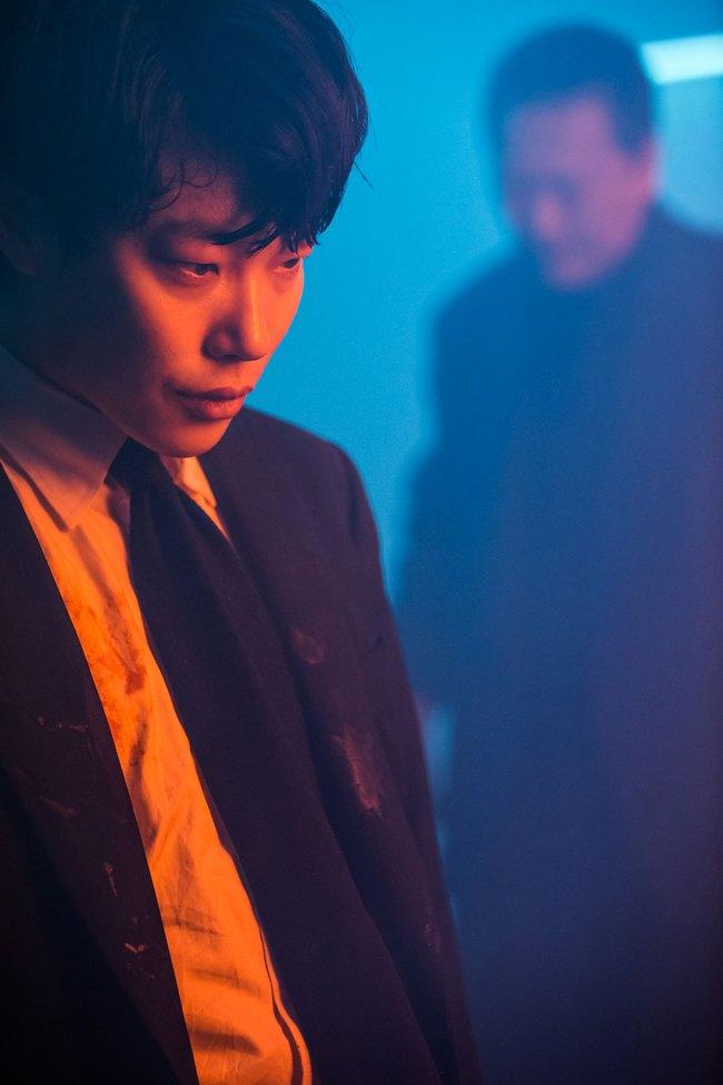 Nhờ vai diễn chó gặm, mặt cún Ryu Jun Yeol thành Tân binh Baeksang 53! - Ảnh 3.