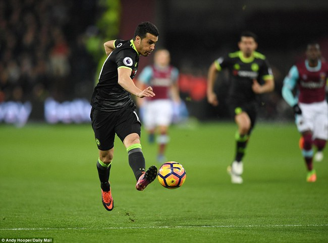 Chelsea hơn Tottenham 10 điểm, thẳng tiến tới ngai vàng - Ảnh 11.