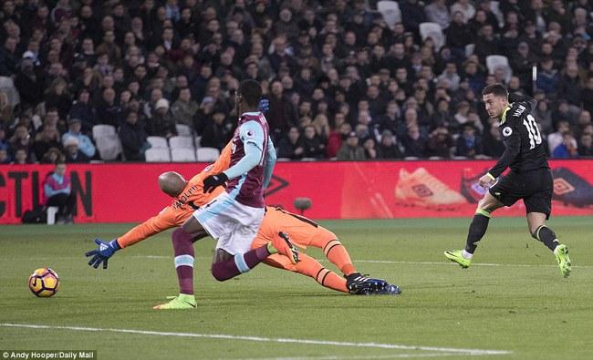 Chelsea hơn Tottenham 10 điểm, thẳng tiến tới ngai vàng - Ảnh 8.