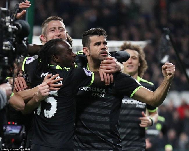 Chelsea hơn Tottenham 10 điểm, thẳng tiến tới ngai vàng - Ảnh 14.