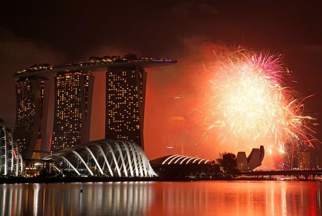 Pháo hoa rực sáng trên bầu trời các nước châu Á trong đêm giao thừa - Ảnh 7.
