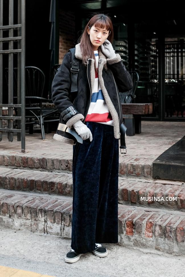 Làm sao để mặc đẹp được như thế? Phát ghen với street style nổi bần bật của giới trẻ thế giới - Ảnh 4.