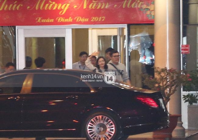Loạt hình ảnh rõ mặt siêu hiếm hoi của Yoona khi vừa đến Việt Nam - Ảnh 3.