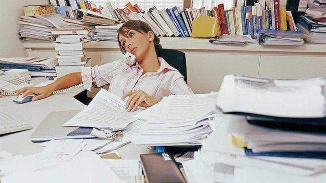Hãy dọn dẹp bàn làm việc của bạn ngay đi trước khi phải hối hận - Ảnh 3.