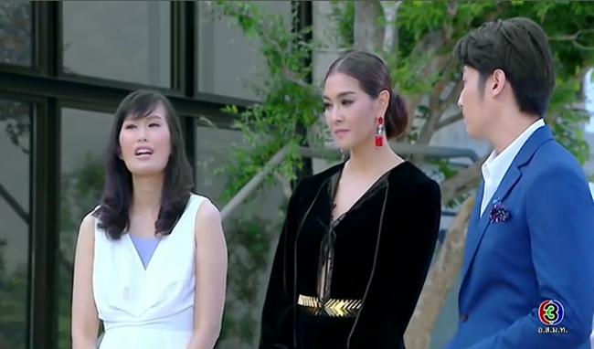 Cố tình vắng mặt, HLV The Face Thái nhờ bạn thân loại luôn thí sinh đội đàn chị - Ảnh 1.