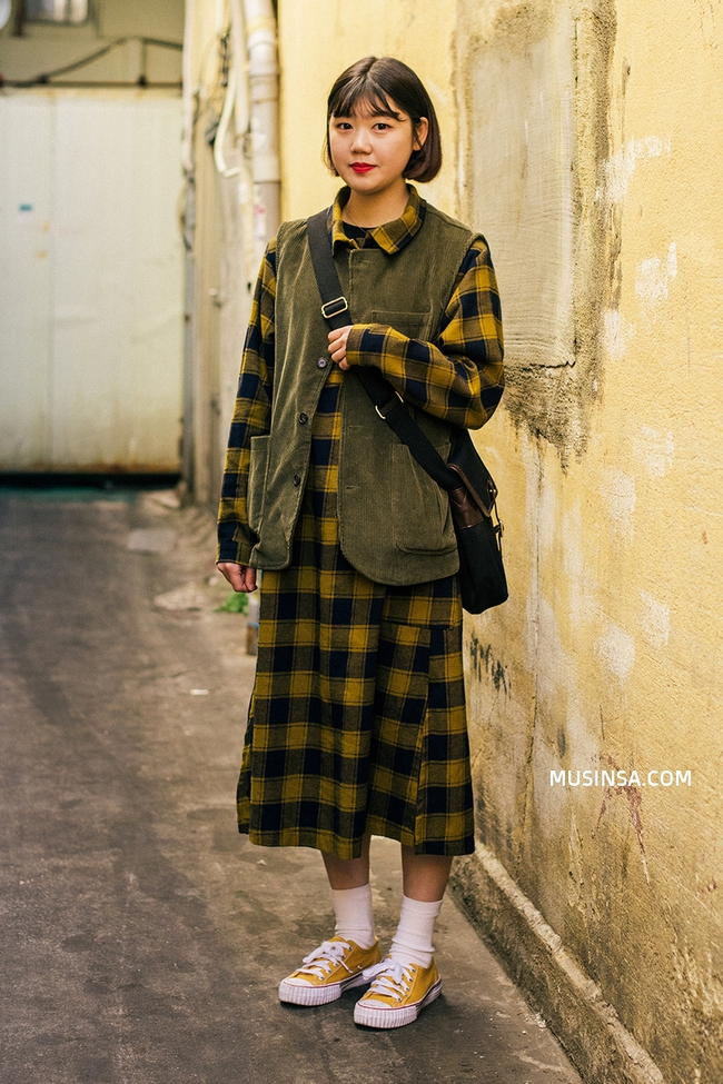 Ngắm street style siêu nuột của giới trẻ thế giới để lấy cảm hứng mix đồ thôi nào các nàng! - Ảnh 4.
