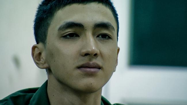 Hot boy Bình An la hét, đập phá đồ đạc vì tắm nước lạnh trong quân ngũ - Ảnh 8.