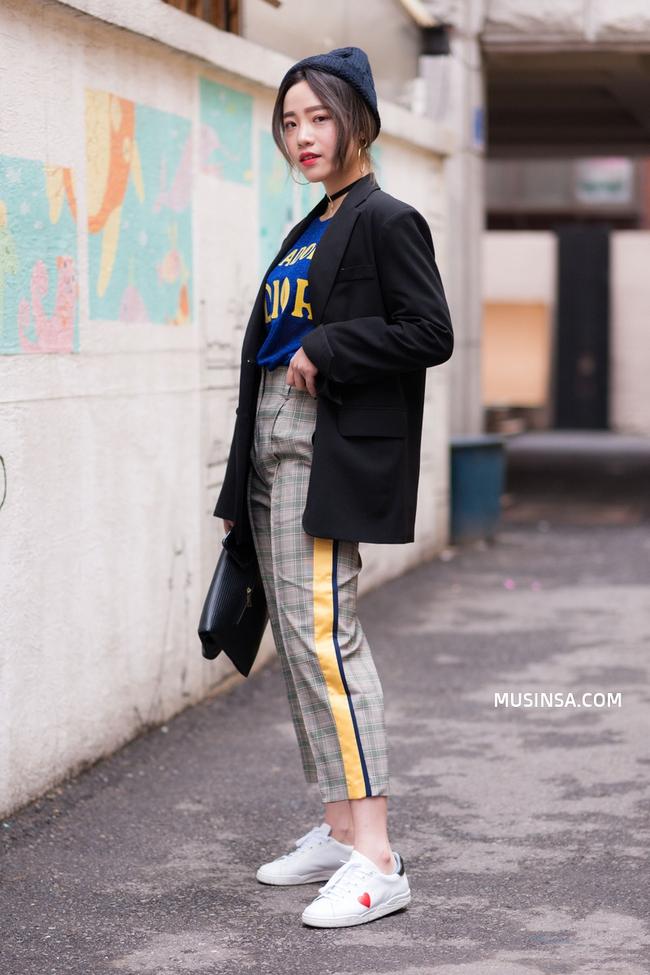 Cùng ngắm street style của giới trẻ thế giới để tạo cảm hứng phối thời trang hình 3