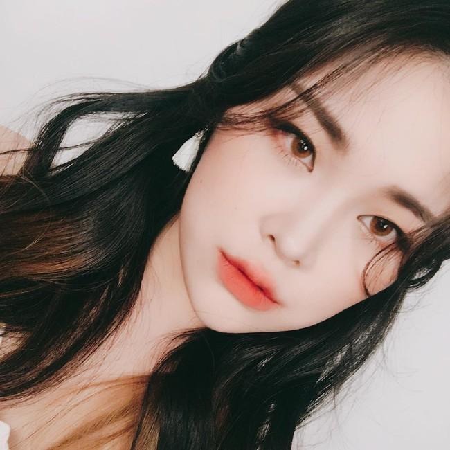 Mùa hè là phải diện son cam: 5 thỏi son Hàn Quốc mới ra giá từ 180 nghìn cho các nàng xúng xính hè này - Ảnh 13.