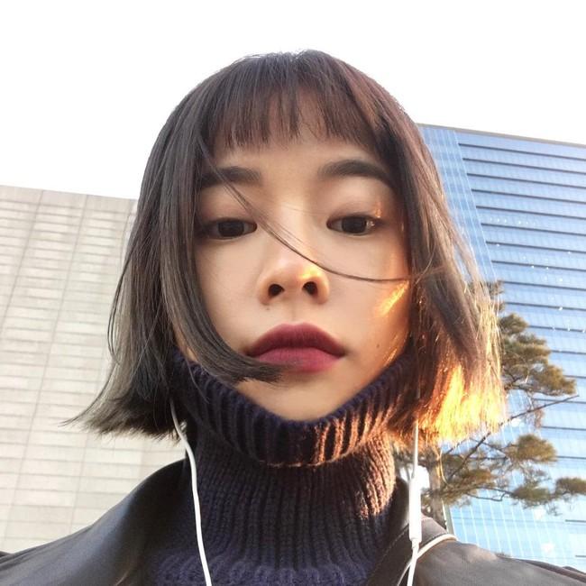 Phim đã hết nhưng con gái Hàn vẫn đổ xô cắt tóc ngắn cũn, tô son giống tiên nữ cử tạ Kim Bok Joo - Ảnh 5.