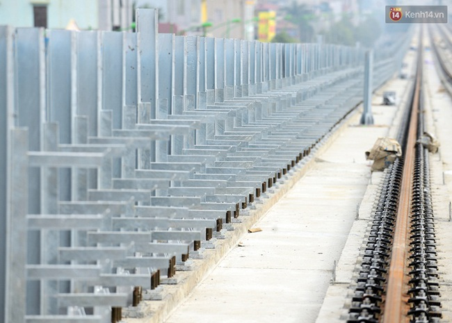Cận cảnh đoàn tàu đường sắt Cát Linh - Hà Đông đang đóng gói, chuẩn bị vận chuyển về nước - Ảnh 5.