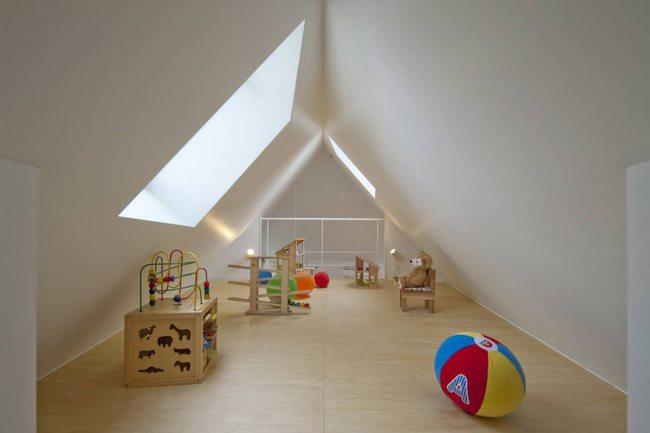 Căn nhà Nhật Bản nhìn thì nhỏ hẹp vậy thôi, nhưng khi bước vào trong bạn sẽ phải bất ngờ - Ảnh 8.