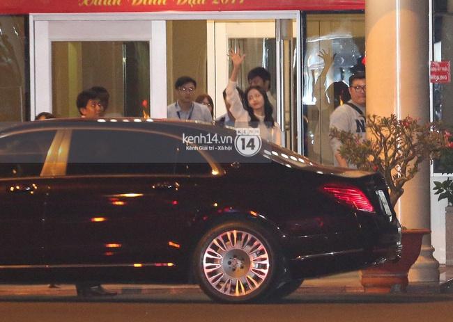 Loạt hình ảnh rõ mặt siêu hiếm hoi của Yoona khi vừa đến Việt Nam - Ảnh 4.