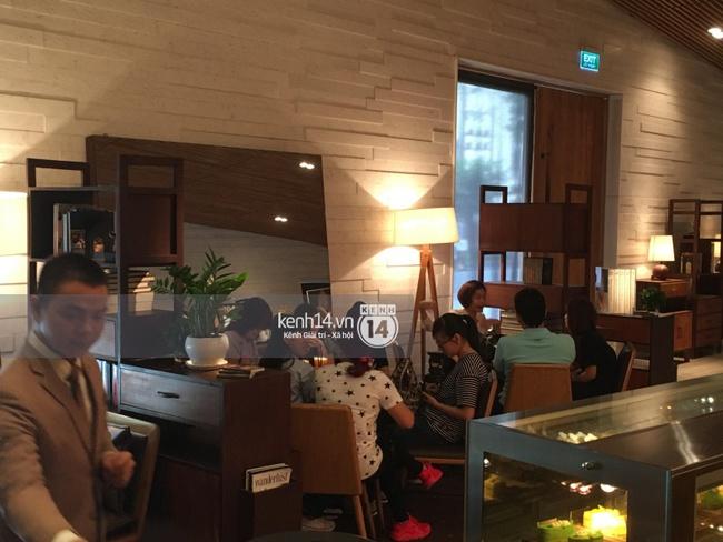 Quang cảnh bên ngoài nơi sẽ diễn ra buổi gặp gỡ fan của Yoona - Ảnh 5.