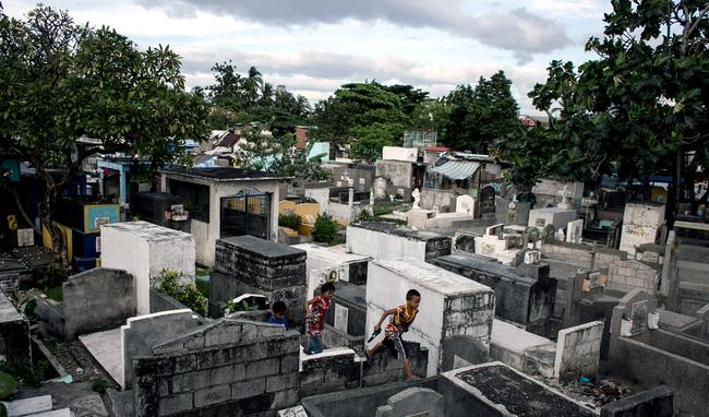 Những nỗi đau trong thành phố chết, nơi cuộc càn quét ma túy hủy hoại cuộc sống người dân - Ảnh 4.