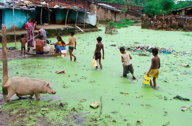 Ngày Nước thế giới, nhìn lại những bức hình ám ảnh về thực trạng khan hiếm nước trên toàn thế giới - Ảnh 5.