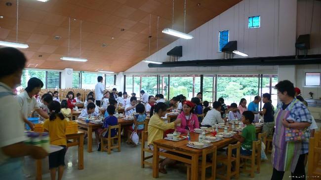 Một bữa trưa đạm bạc của trẻ em Nhật sẽ khiến nhiều người phải cảm thấy hổ thẹn, và đây là lý do 1