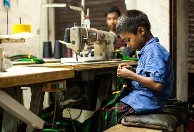 Lao động giá rẻ trong ngành công nghiệp thời trang - nơi tuổi thơ là những cơn ác mộng - Ảnh 5.