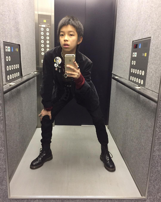 Kim Kardashian ư? Cậu nhóc 13 tuổi có style cực chất này mới là thánh selfie - ảnh 11