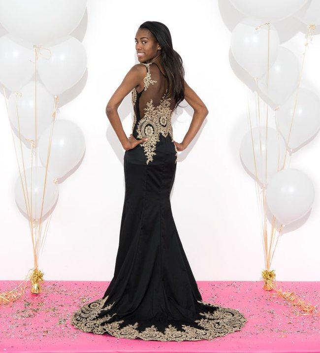 Những cô gái này đặt mua váy dạ hội giá chỉ vài trăm nghìn trên Amazon và kết quả bất ngờ-11