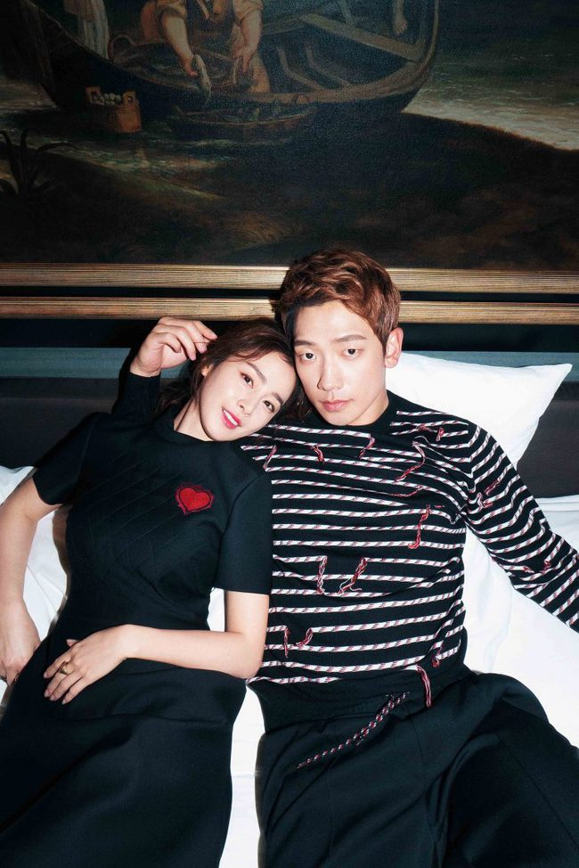 Kim Tae Hee và Bi Rain lộ khoảnh khắc chăm sóc nhau mùi mẫn hiếm hoi trên bìa tạp chí - Ảnh 2.