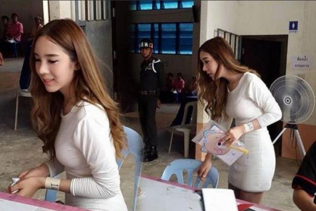 Vẻ đẹp khó cưỡng của những bóng hồng chuyển giới trong đợt tuyển nghĩa vụ quân sự Thái Lan - Ảnh 6.