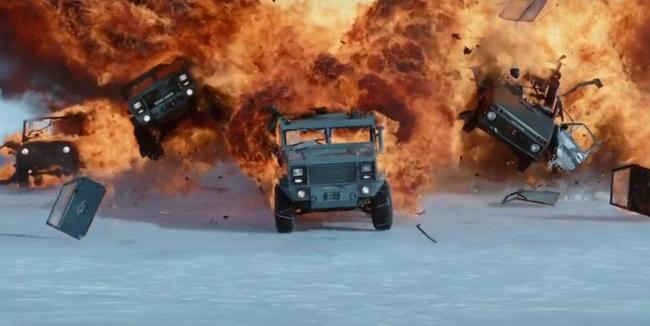 Fast & Furious 8 và những cục sạn lọc mãi không hết - Ảnh 6.