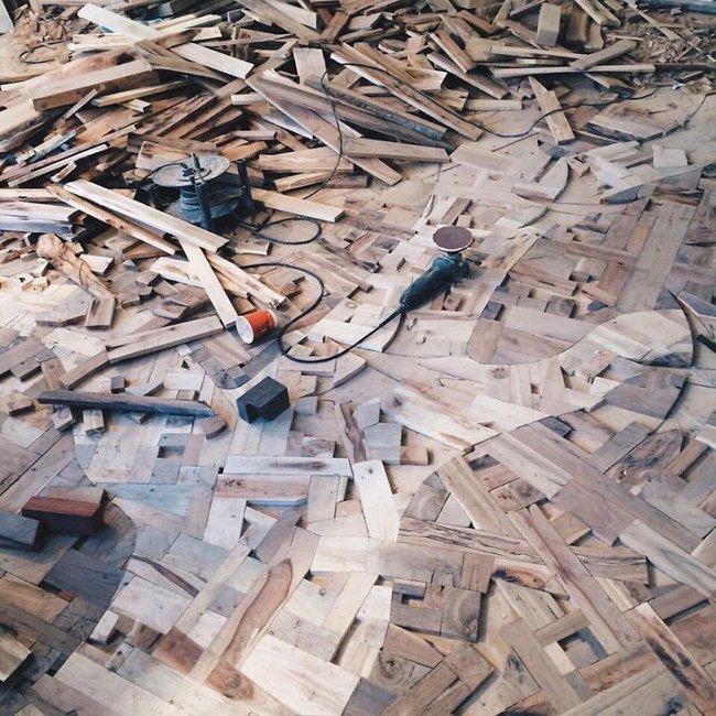 Thu thập các mảnh gỗ vụn bỏ đi, người đàn ông biến sàn nhà thành một tác phẩm nghệ thuật đẹp ngỡ ngàng - Ảnh 9.