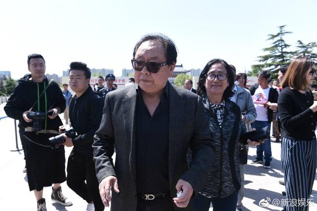 Tôn Ngộ Không, Trư Bát Giới cùng dàn sao Tây Du Ký ngậm ngùi trong tang lễ đạo diễn Dương Khiết - Ảnh 4.