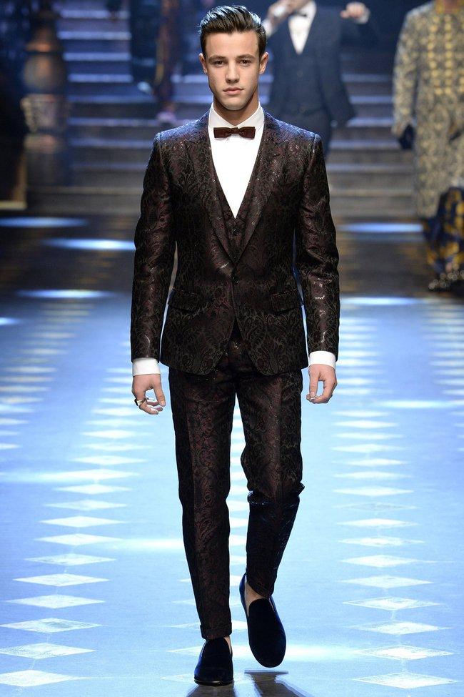 Choáng ngợp với show diễn toàn cậu ấm cô chiêu danh gia vọng tộc của Dolce&Gabbana - Ảnh 8.