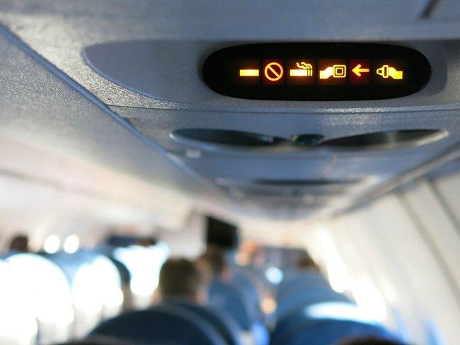 Đây là 10 điều các tiếp viên hàng không cực kỳ ghét ở hành khách đi máy bay - Ảnh 6.