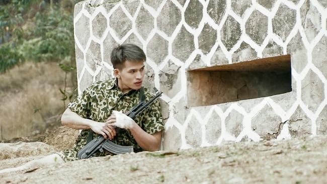 Hot boy Bình An la hét, đập phá đồ đạc vì tắm nước lạnh trong quân ngũ - Ảnh 5.