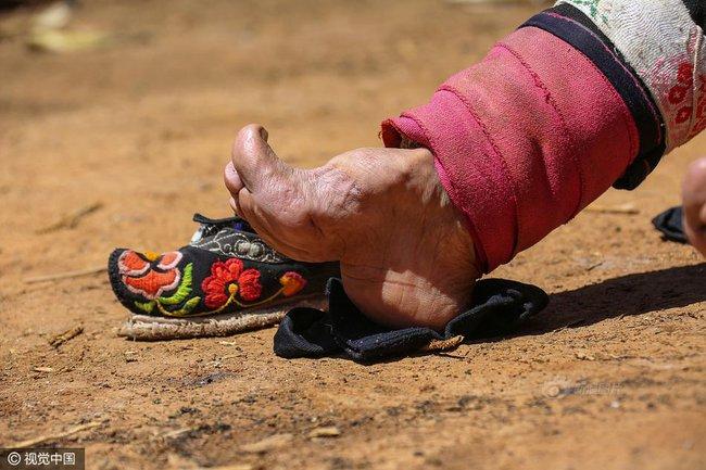 Mục sở thị những đôi chân gót sen cuối cùng của phụ nữ Trung Quốc thời hiện đại - Ảnh 9.
