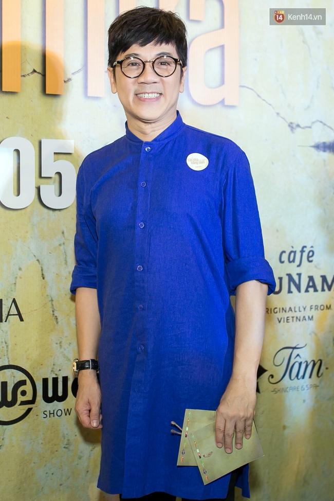 Hoài Linh mặc áo bà ba đến ủng hộ đoàn phim Có căn nhà nằm nghe nắng mưa - Ảnh 7.