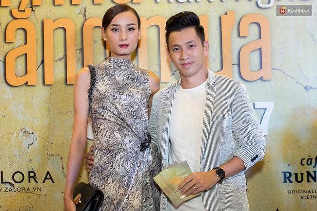 Hoài Linh mặc áo bà ba đến ủng hộ đoàn phim Có căn nhà nằm nghe nắng mưa - Ảnh 6.