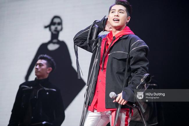 Noo Phước Thịnh khiến khán giả Việt nở mày nở mặt với phần biểu diễn tại Influence Asia 2017 - Ảnh 4.