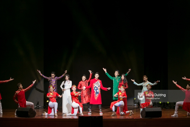 Noo Phước Thịnh khiến khán giả Việt nở mày nở mặt với phần biểu diễn tại Influence Asia 2017 - Ảnh 7.