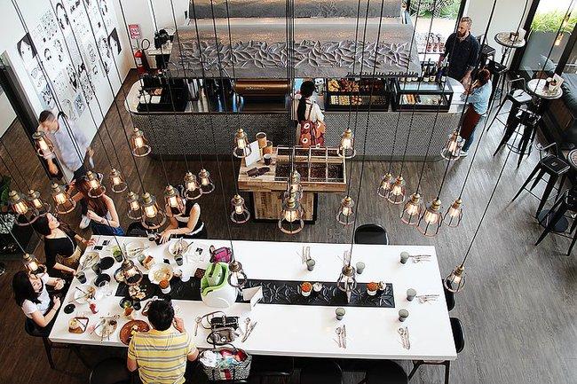 4 quán mới này sẽ chứng minh chẳng bao giờ bạn đi hết nổi cafe đẹp ở Bangkok! - Ảnh 23.