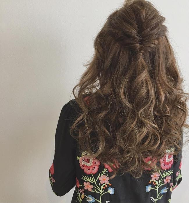 10 kiểu tóc xinh lung linh bạn có thể diện từ sáng tới tối mà vẫn đẹp dịp Tết - Ảnh 4.