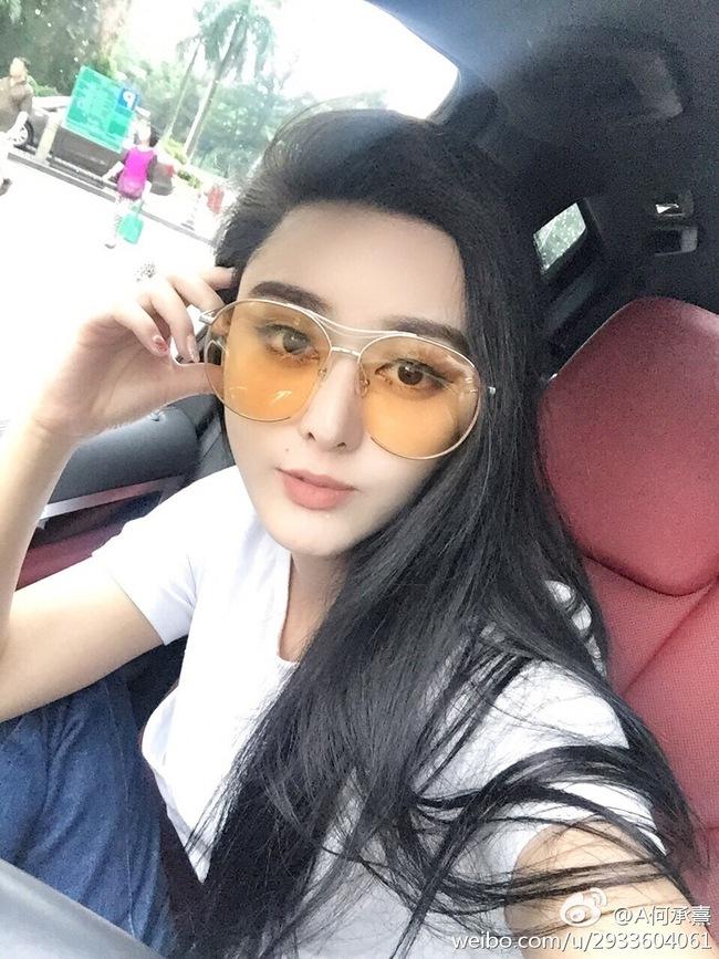 Cô gái mất 8 năm phẫu thuật giống Phạm Băng Băng rồi cưới luôn bác sĩ thẩm mỹ cho mình - Ảnh 2.