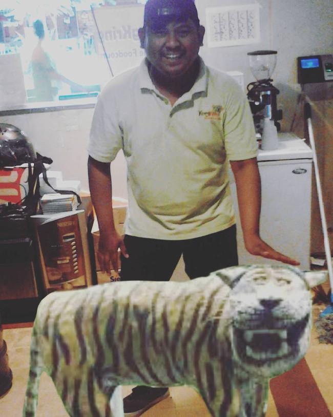 Loạt ảnh chế bức tượng hổ mặt ngáo không cười sặc nước bọt, không tính tiền - Ảnh 21.