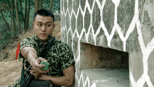 Hot boy Bình An la hét, đập phá đồ đạc vì tắm nước lạnh trong quân ngũ - Ảnh 4.