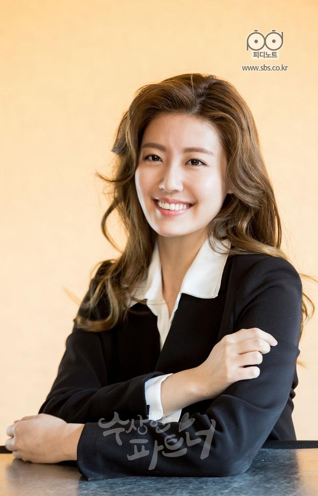 Nhìn Ji Chang Wook chải tóc bóng bẩy và hớn quá đà như này, ai mà tin anh là luật sư? - Ảnh 9.