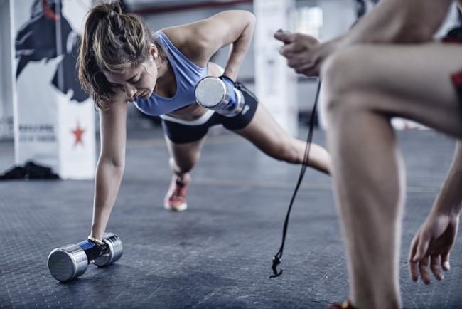 2 hiểu lầm tai hại khiến bạn tập gym... như điên mà vẫn cứ béo - Ảnh 2.